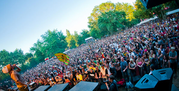 GARANCE REGGAE FESTIVAL 2013 TURBULENCE ON STAGE